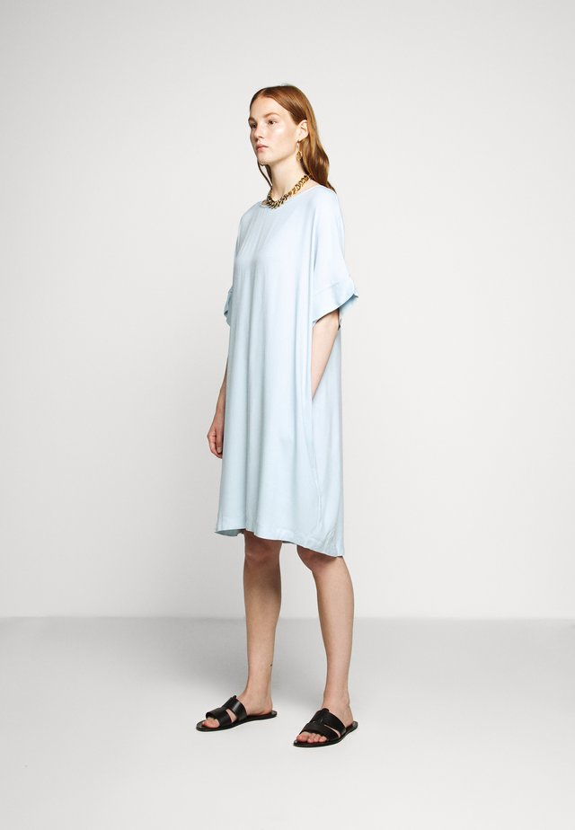 HALAH GIGI DRESS - Kjole - dream blue
