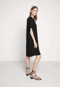 Bruuns Bazaar - HALAH GIGI DRESS - Hverdagskjoler - black - 3