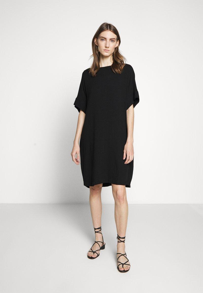 Bruuns Bazaar - HALAH GIGI DRESS - Hverdagskjoler - black