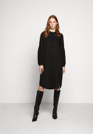 PRALENZA SOFJE DRESS - Košilové šaty - black