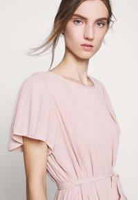 Bruuns Bazaar - ZILLA DRESS - Denní šaty - cream rose - 5