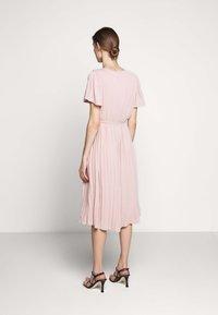 Bruuns Bazaar - ZILLA DRESS - Denní šaty - cream rose - 2