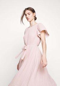 Bruuns Bazaar - ZILLA DRESS - Denní šaty - cream rose - 4