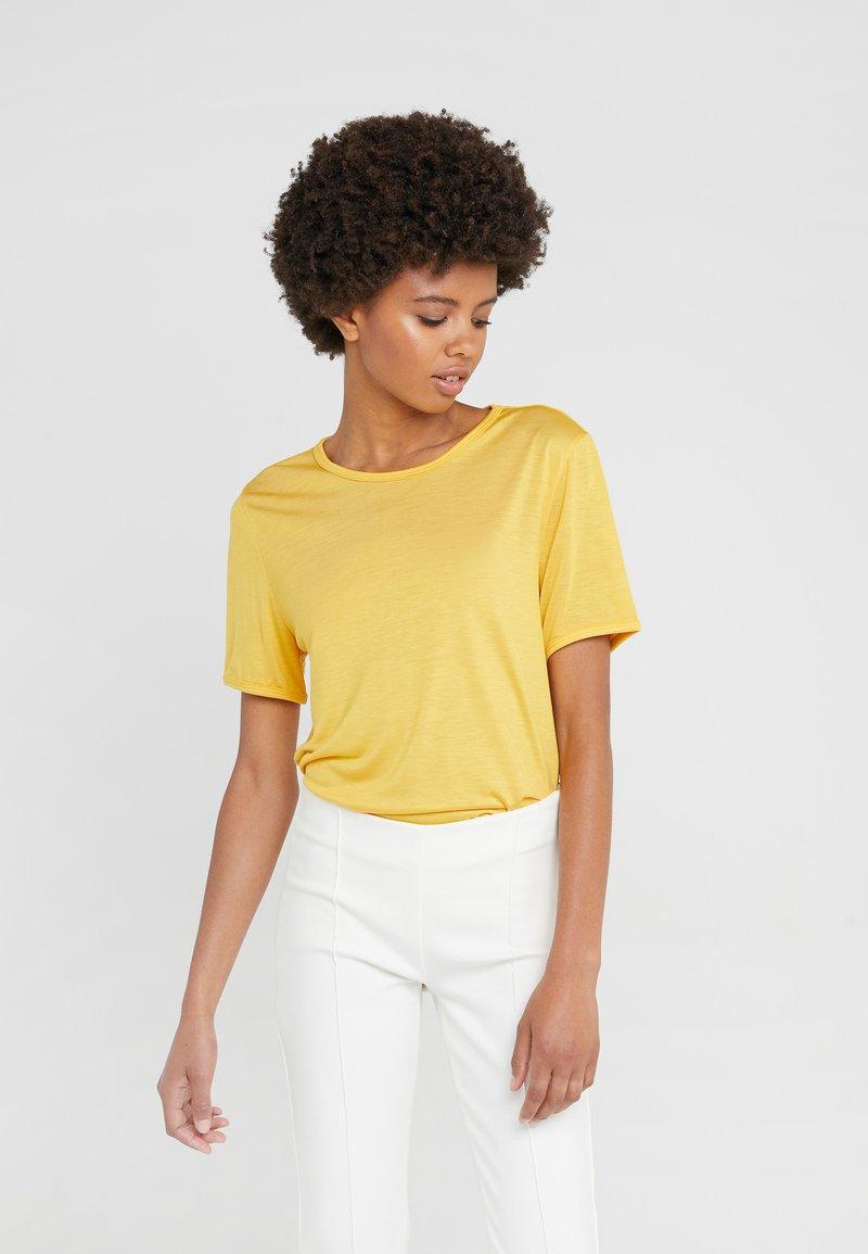 Bruuns Bazaar - MOLLY PERLA TEE - T-paita - peachy yellow