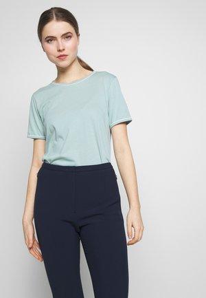 KALLY ALICIA TEE - Basic T-shirt - dawn blue