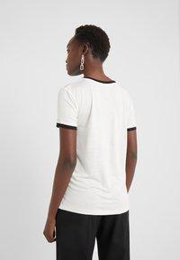 Bruuns Bazaar - KATKA ELSA TEE - Camiseta estampada - snow white - 3