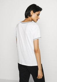 Bruuns Bazaar - KALLY ELSA TEE - Basic T-shirt - snow white - 2