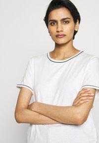 Bruuns Bazaar - KALLY ELSA TEE - Basic T-shirt - snow white - 4