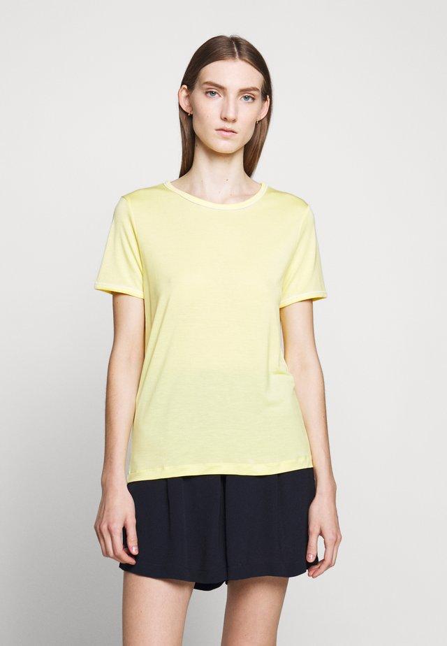 KATKA ALICIA TEE - Jednoduché triko - sunshine