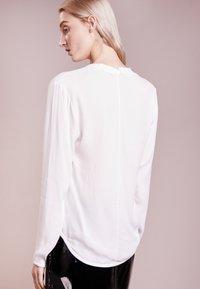 Bruuns Bazaar - LIVA  - Blus - white - 2