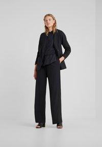 Bruuns Bazaar - FREYA ELISE - Koszula - black - 1
