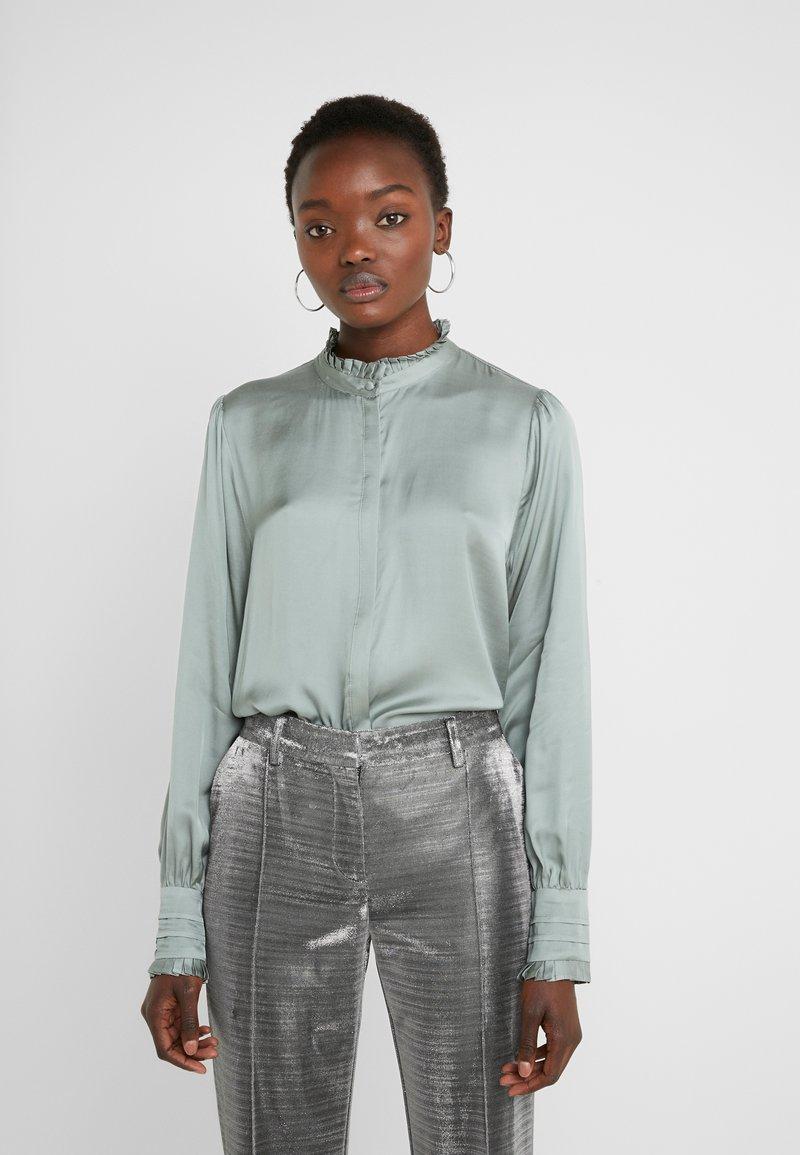 Bruuns Bazaar - BAUME ELIZABETH BLOUSE - Blouse - jade green