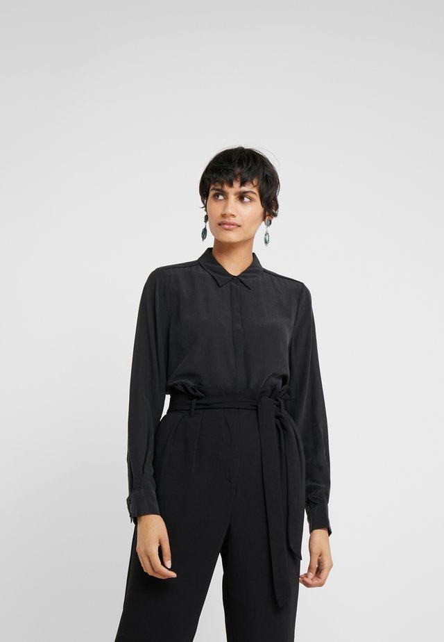 LILLIE CORINNE  - Button-down blouse - black