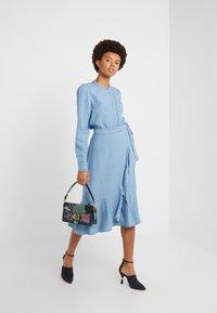 Bruuns Bazaar - LAERA SARI SHIRT - Button-down blouse - dawn blue - 1