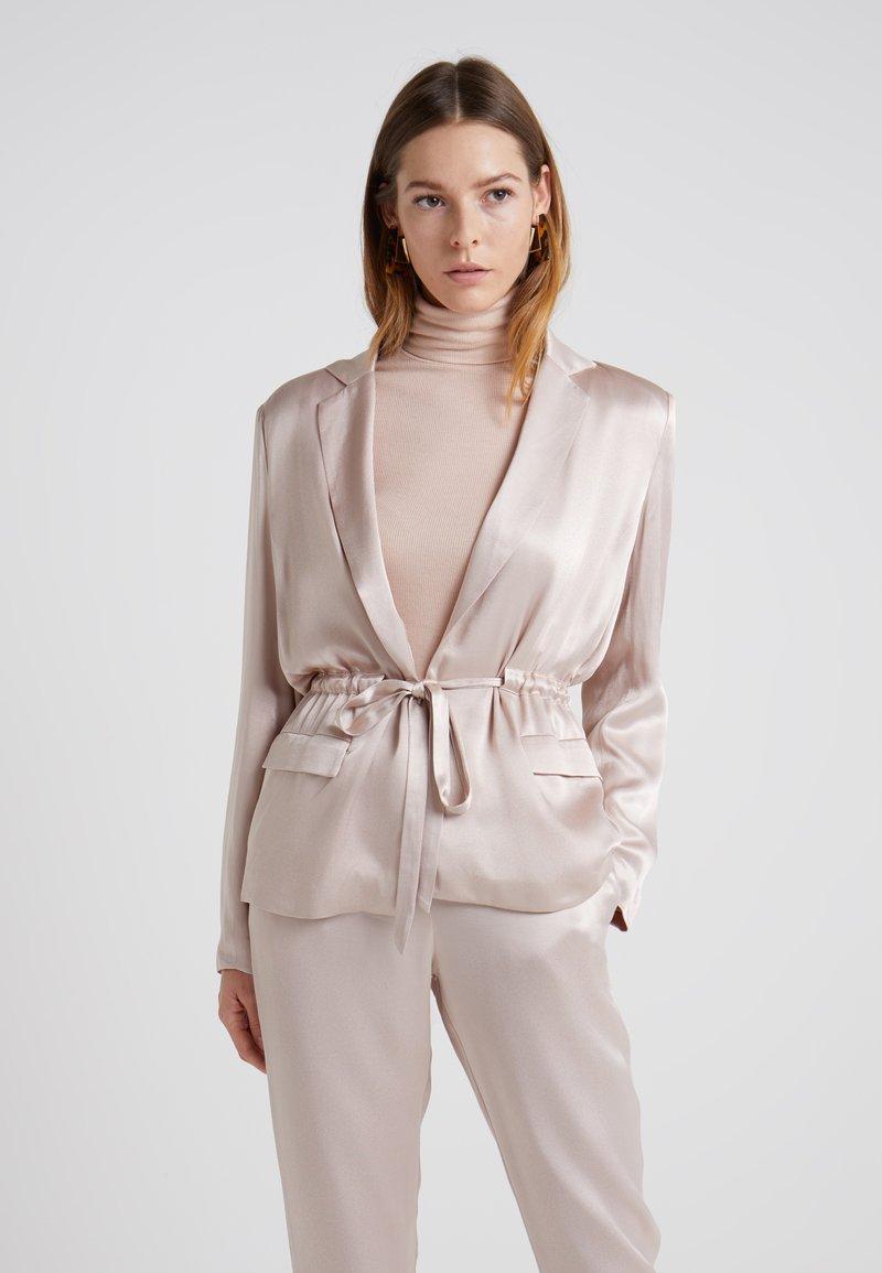 Bruuns Bazaar - SOFIA LOTUS - Sportovní sako - light rose