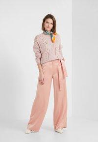 Bruuns Bazaar - BELLA KASS  - Strikkegenser - creamy rosa - 1