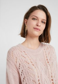 Bruuns Bazaar - BELLA KASS  - Strikkegenser - creamy rosa - 3