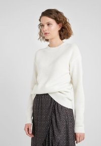 Bruuns Bazaar - HOLLY JOHANNE  - Sweter - snow white - 0