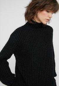Bruuns Bazaar - HAILEY NANCY PULLOVER - Jersey de punto - black - 4