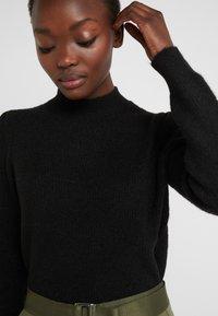 Bruuns Bazaar - PAYA MERRAL KNIT - Sweter - black - 6