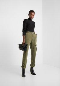 Bruuns Bazaar - PAYA MERRAL KNIT - Sweter - black - 1