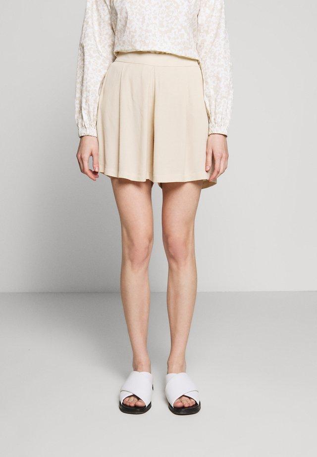 LILLI DAPHNE - Shorts - sand