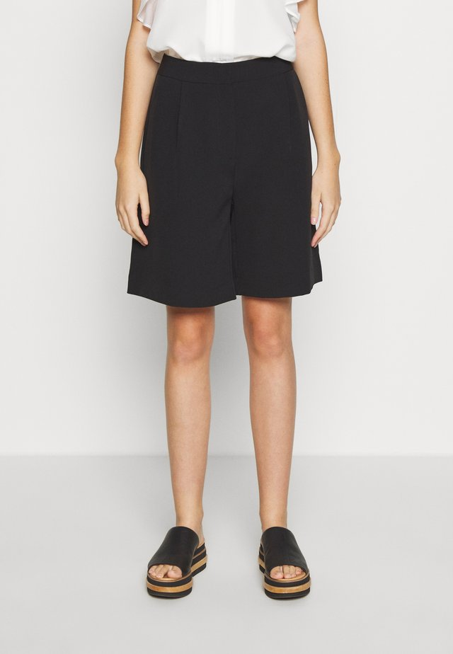 RUBY WINNA - Shorts - black