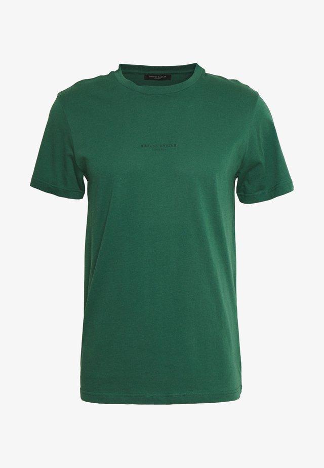GUSTAV BUSTER TEE - T-paita - dark green