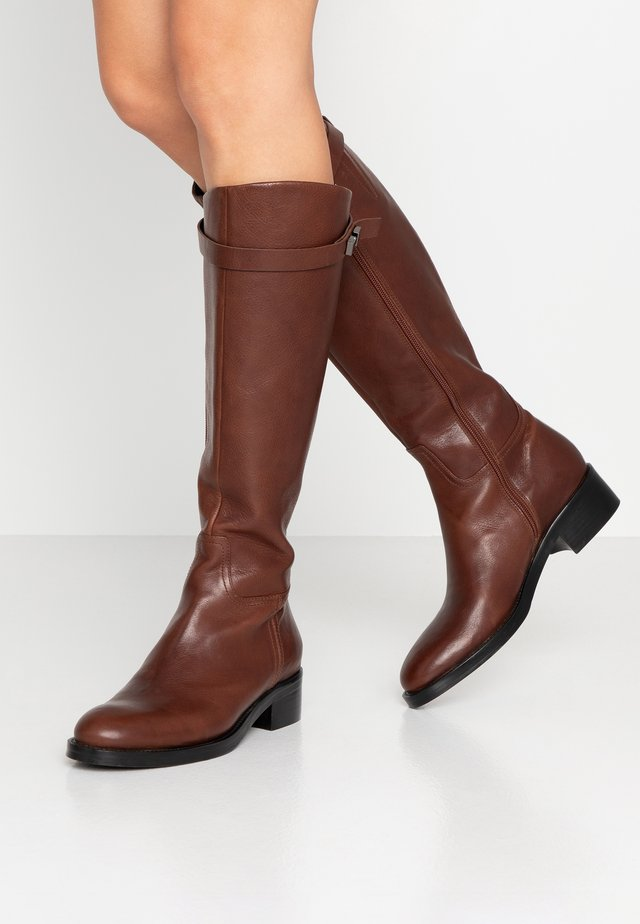 Bottes - rovere