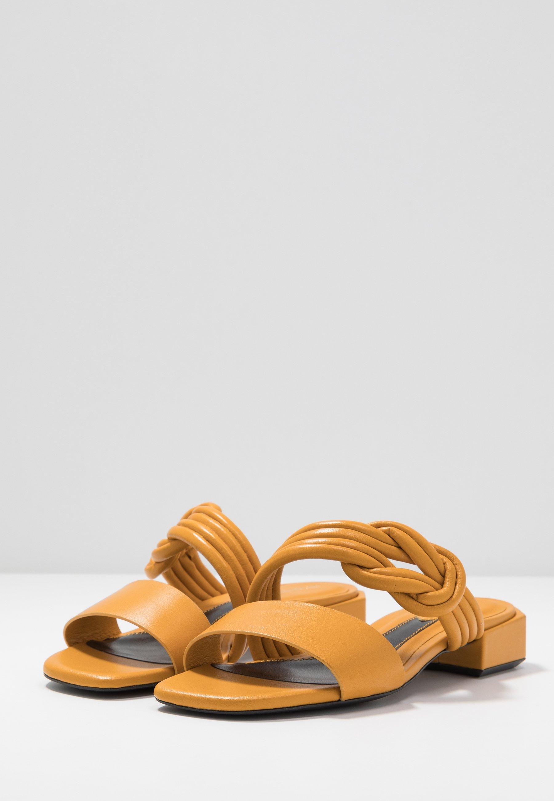 Bruno Premi Slip-ins - yellow