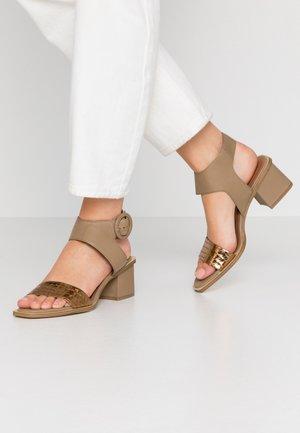 Sandály - sombrero mility/cocco bronzo