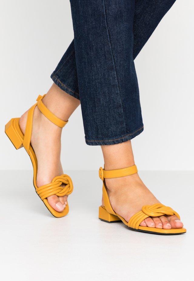 Sandales - girasole