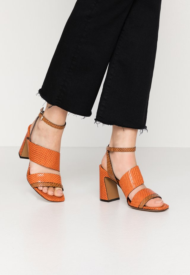 High heeled sandals - papua/papua arrancio