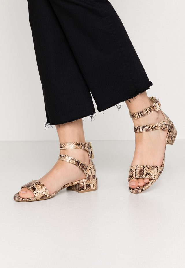 Sandales - patos moro