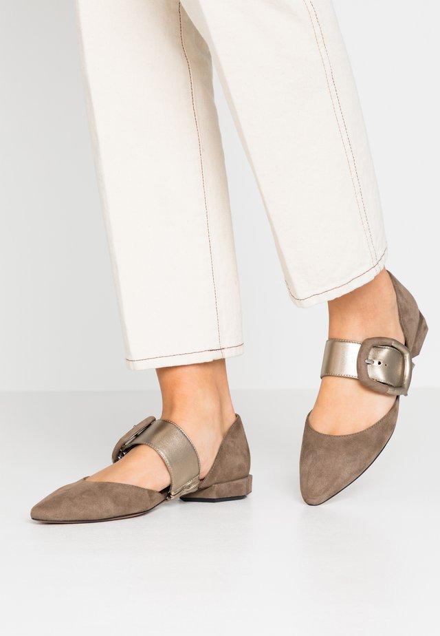 Ankle strap ballet pumps - metall mility/alba