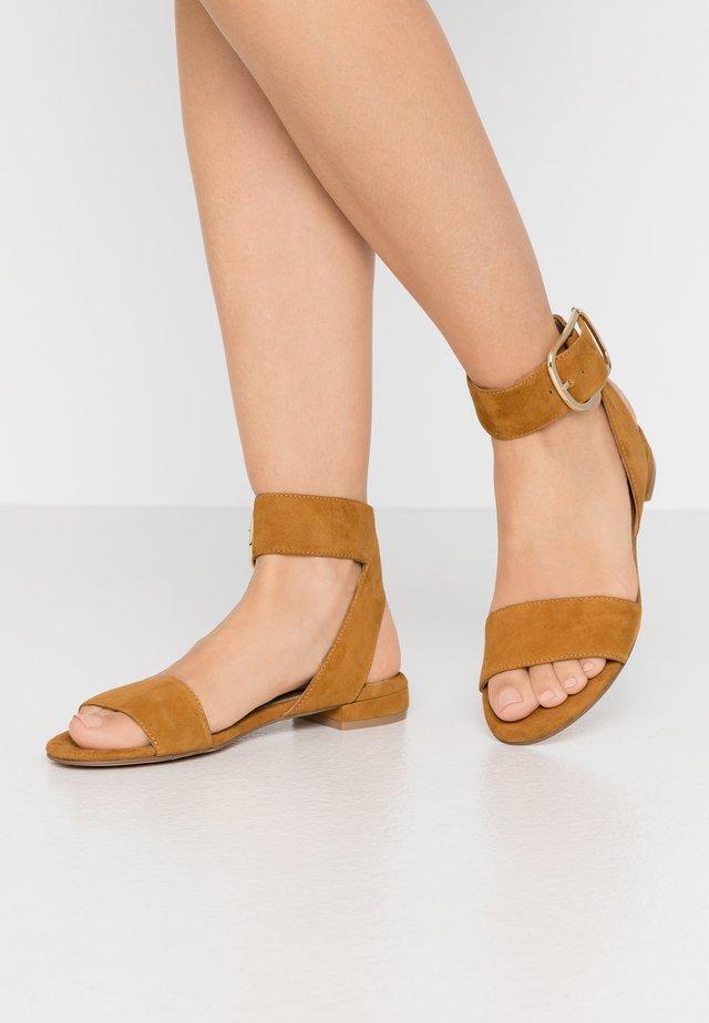 Sandales - coloniale