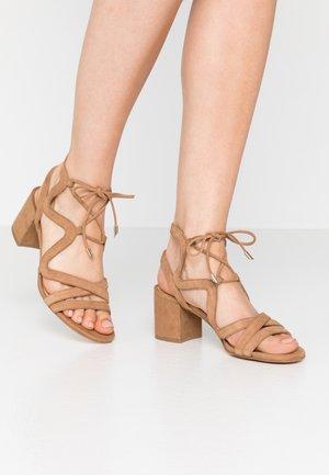 Sandalen - sand/beige