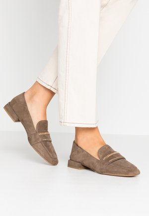 Nazouvací boty - cam mility