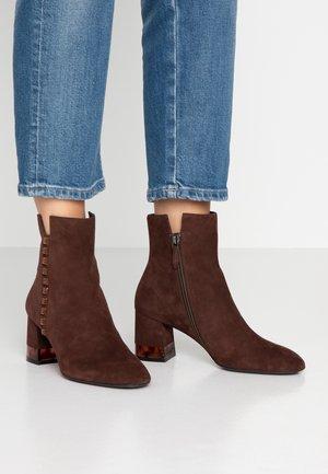 Korte laarzen - teak
