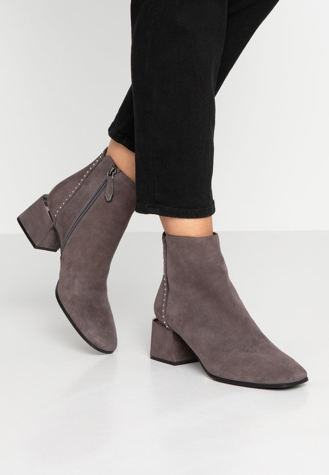 Ankle Boot - nebbia