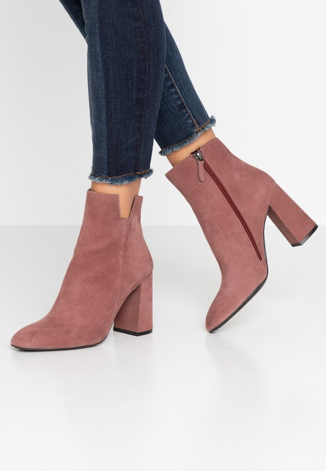 High heeled ankle boots - antico