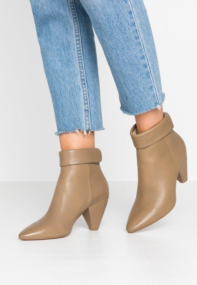 Boots à talons - sombrero mility