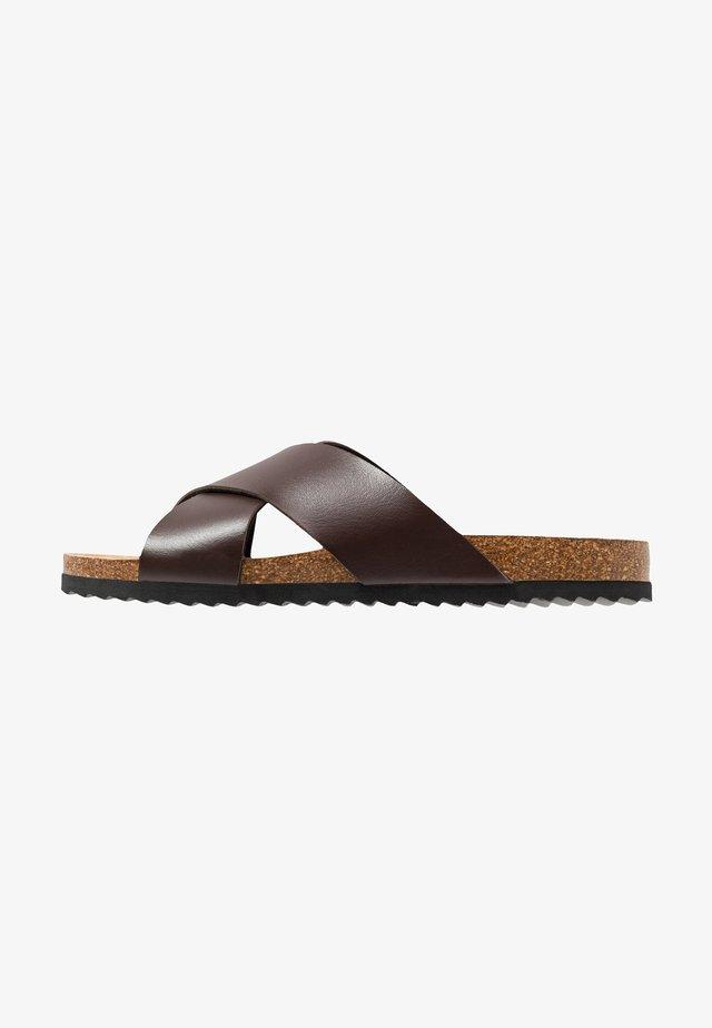 DAWSON - Pantofle - congac