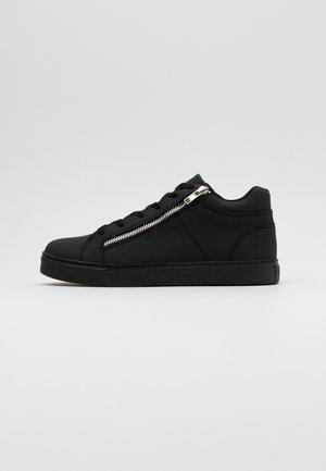 MULLEN - Baskets basses - black