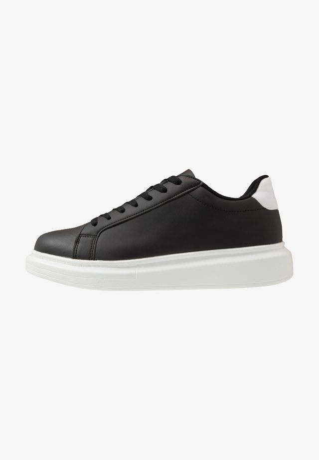 ROYAL - Sneakers - black/white