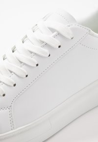 Brave Soul - ROYAL - Trainers - white/red - 5