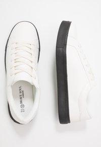 Brave Soul - Tenisky - white/black - 1
