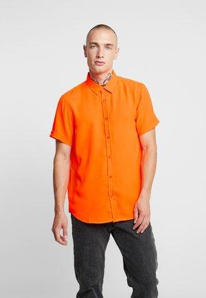 Shirt - neon orange