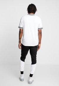 Brave Soul - SUNNY - Pantalones deportivos - black/ white - 2