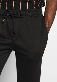 Brave Soul - STEING - Teplákové kalhoty - black - 4